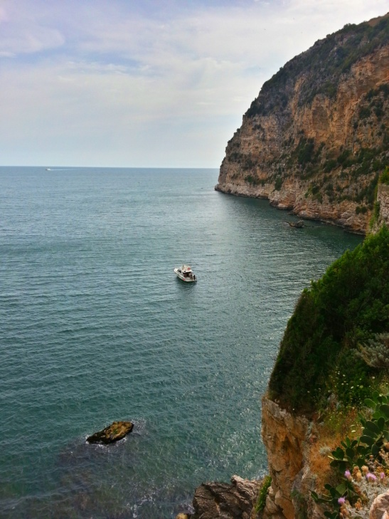 The four best beaches near Rome - and how to reach them! Read on for four great day trips to the seaside from Rome.